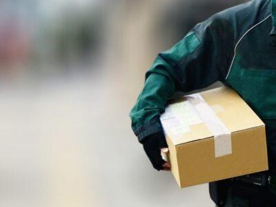 オンラインの商品を返品、送料は誰が払う?