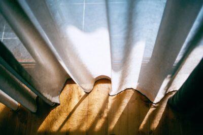 障子の代わりにカーテン