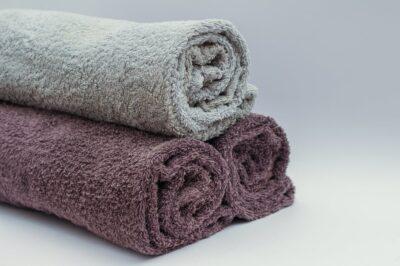部屋の温度を下げるのに濡れタオル?