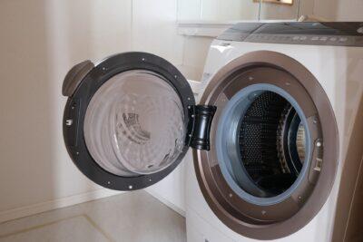 乾燥機で乾かすと臭い原因は?